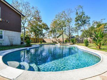 626 Seagrove Street, Shoreacres, TX, 77571,