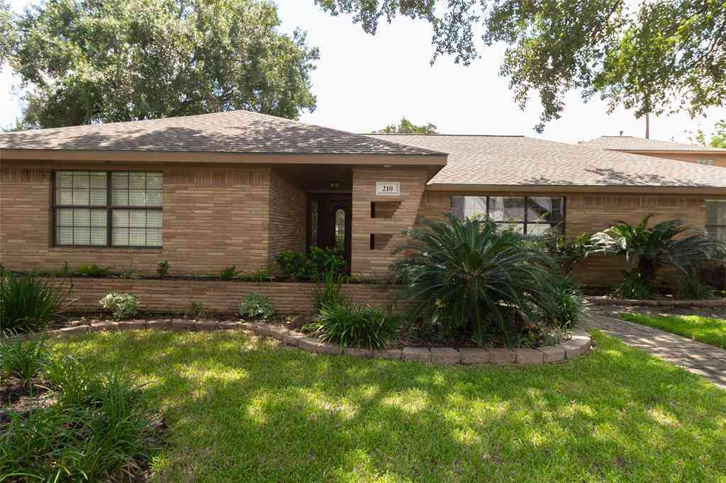 210 Avenue Of Oaks Street, Houston, TX, 77009,