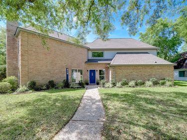 818 Silvergate Drive, Houston, TX, 77079,
