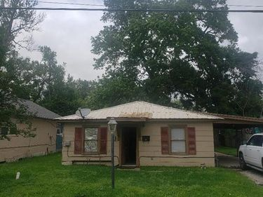 604 Clear Lake Road, Highlands, TX, 77562,