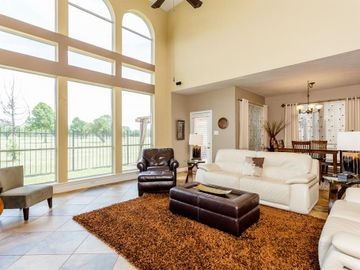 28 Parkway Place, Jersey Village, TX, 77040,