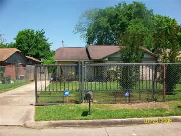 6819 Hanley Lane, Houston, TX, 77016,