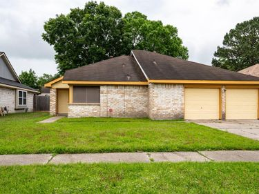 318 Brompton Court, Highlands, TX, 77562,