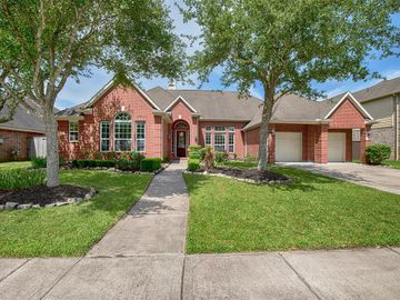 2105 Bayou Cove Lane, League City, TX, 77573,