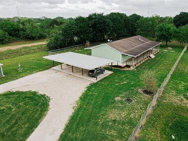 2044 Bunyard Road, Alvin, TX, 77511,