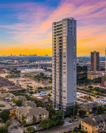 3388 Sage Road #1901 Houston, TX, 77056