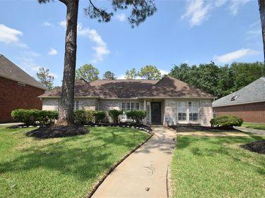 15858 Knolls Lodge Drive, Houston, TX, 77095,