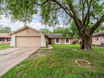 211 La Fonda Drive, Houston, TX, 77060,