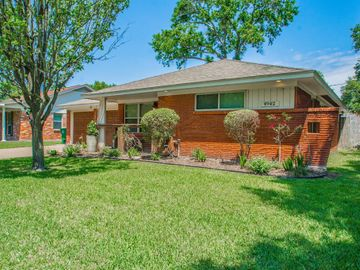 4942 Poinciana Drive, Houston, TX, 77092,