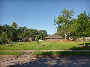 10401 Woodwind Drive, Houston, TX, 77025,