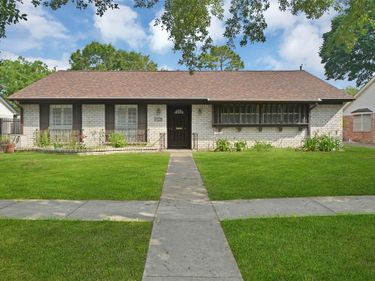 8414 Langdon Lane, Houston, TX, 77036,