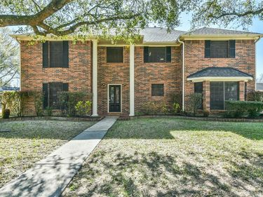 405 Regency Court, Friendswood, TX, 77546,