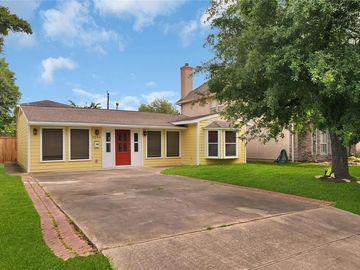 5206 Linden Street, Bellaire, TX, 77401,
