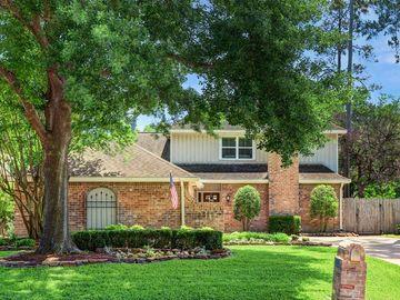 8325 Cedarspur Drive, Spring Valley Village, TX, 77055,