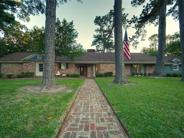 219 Pine Hollow Lane, Houston, TX, 77056,