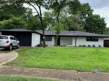 6118 N Braeswood Boulevard, Houston, TX, 77074,
