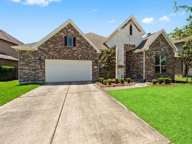 693 Cumberland Ridge Lane, League City, TX, 77573,