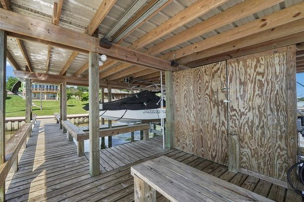 131 Fishermans Bend Drive
