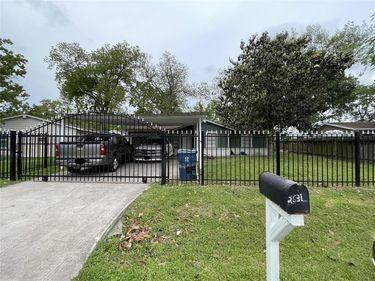 2631 Mooney Road, Houston, TX, 77093,