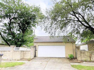6915 Pouter Drive, Houston, TX, 77083,