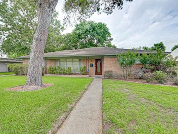 5734 Spellman Road, Houston, TX, 77096,