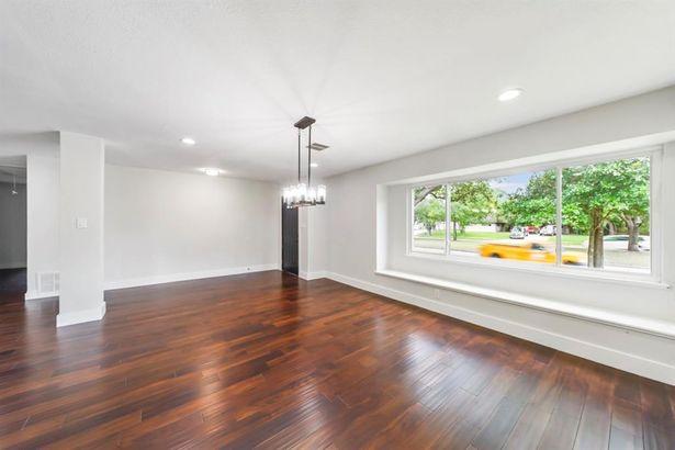 5235 W Bellfort Street