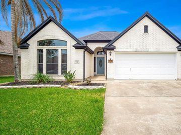 126 Eagle Nest Court, Richwood, TX, 77566,