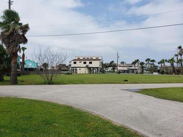 16600 Curlew Road, Jamaica Beach, TX, 77554,