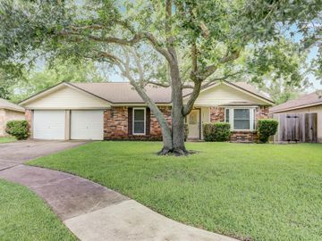 17511 Heritage Cove Drive, Webster, TX, 77598,