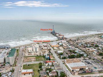 2324 Avenue P 1/2, Galveston, TX, 77550,