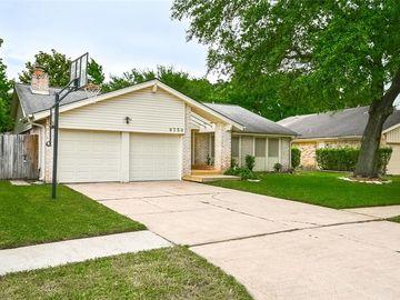 9750 Ravensworth Drive, Houston, TX, 77031,