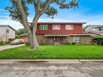 302 Barracuda Avenue, Galveston, TX, 77550,