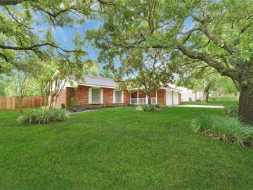 409 Colonial Drive, Friendswood, TX, 77546,