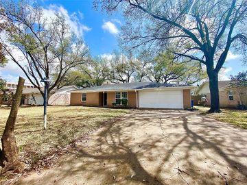 914 Beechgrove Drive, Webster, TX, 77058,