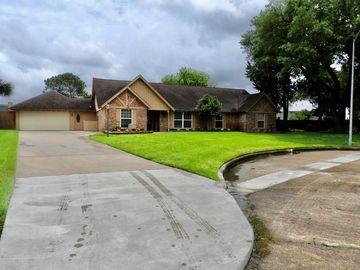 18515 Vinland Drive, Nassau Bay, TX, 77058,