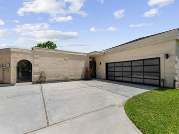 22 Charleston Street, Sugar Land, TX, 77478,