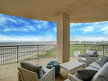 801 E Beach Drive #TW2112, Galveston, TX, 77550,