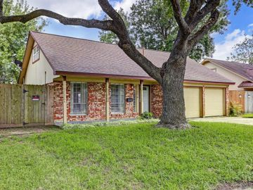 1801 Aspen Lane, Seabrook, TX, 77586,