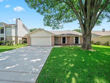 5029 Meadow Place Drive, La Porte, TX, 77571,