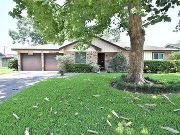 4108 Pine Shadows Street, Dickinson, TX, 77539,