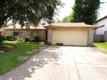 9806 Sparrow Street, La Porte, TX, 77571,