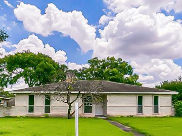 6231 Meadway Drive, Houston, TX, 77072,