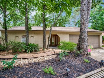 9 W Woodtimber Court, The Woodlands, TX, 77381,