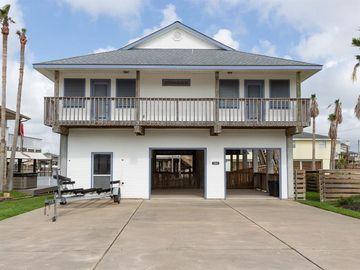 306 Paradise Drive, Tiki Island, TX, 77554,
