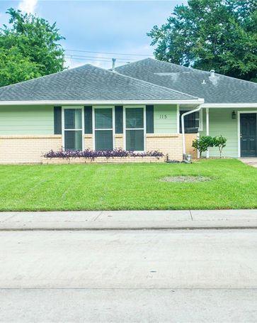 115 S Yaupon Street Lake Jackson, TX, 77566