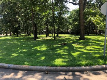 15 Bentwater Bay Circle, Montgomery, TX, 77356,