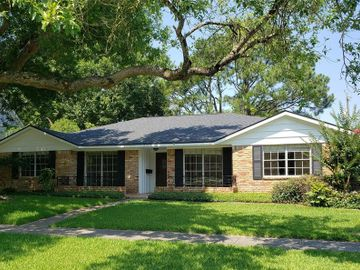2109 Willow Wisp Drive, Seabrook, TX, 77586,