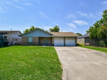 618 Hollyvale Drive, Houston, TX, 77060,