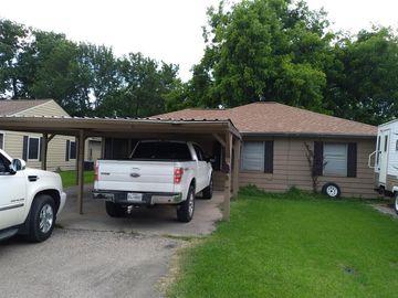 401 Farrer Street, Angleton, TX, 77515,