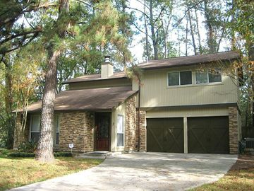 2 Crested Tern Court, The Woodlands, TX, 77380,